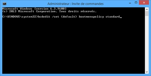 Désactiver F8 au démarrage de Windows 8/10 : bcdedit /set {default} bootmenupolicy standard