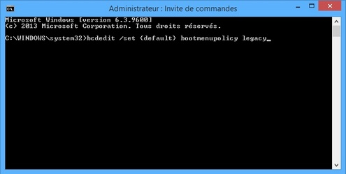 Activer F8 au démarrage de Windows 8/10 : bcdedit /set {default} bootmenupolicy legacy